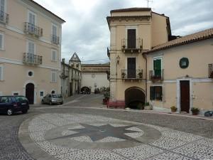 640px-Bolognano-Piazza (1)