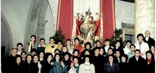 Gruppo giovani presso Basilica Madonna dei Martiri