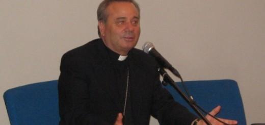 Vescovo Mons. Martella (1)