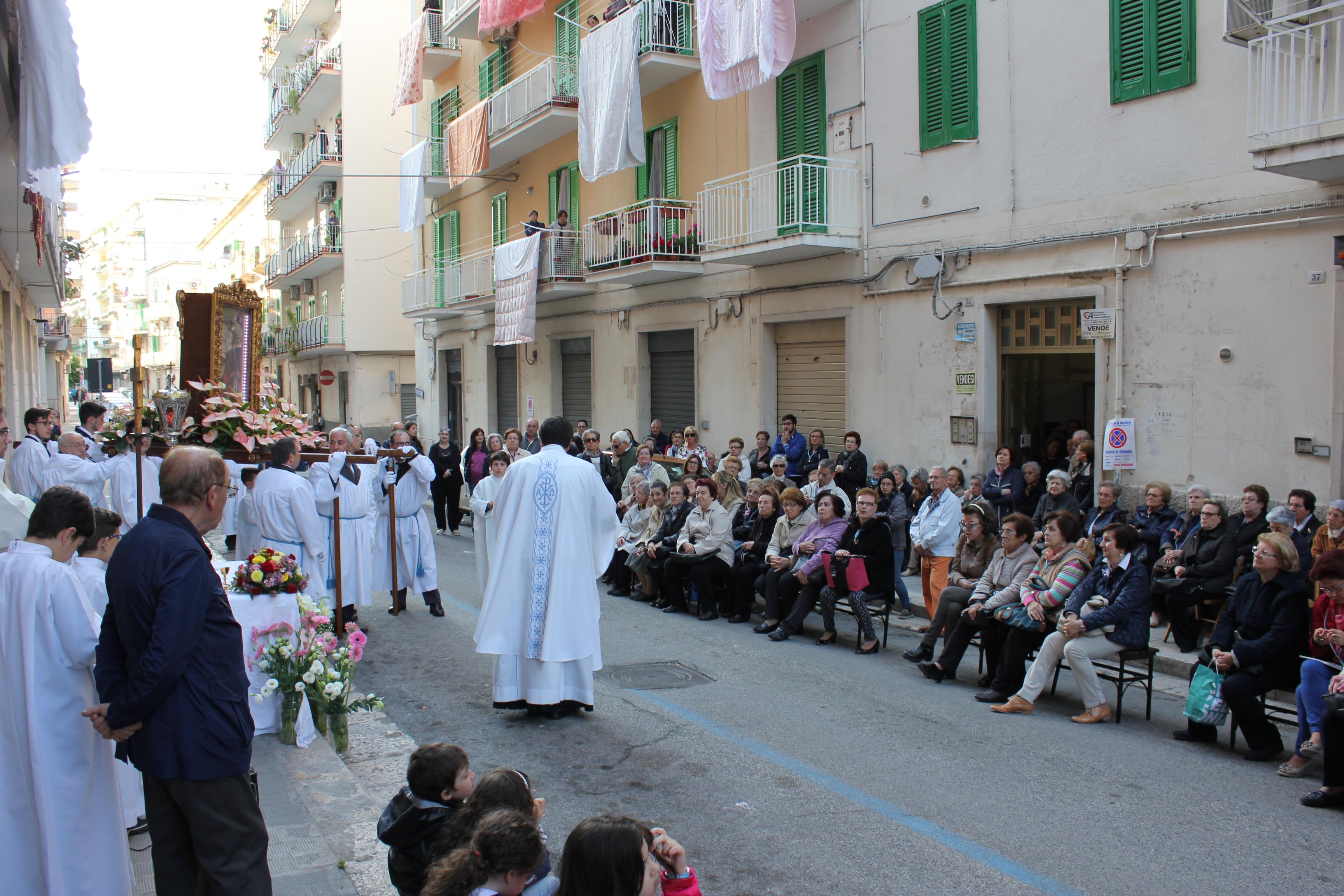 Peregrinatio, processione e messa - 9 maggio 2016